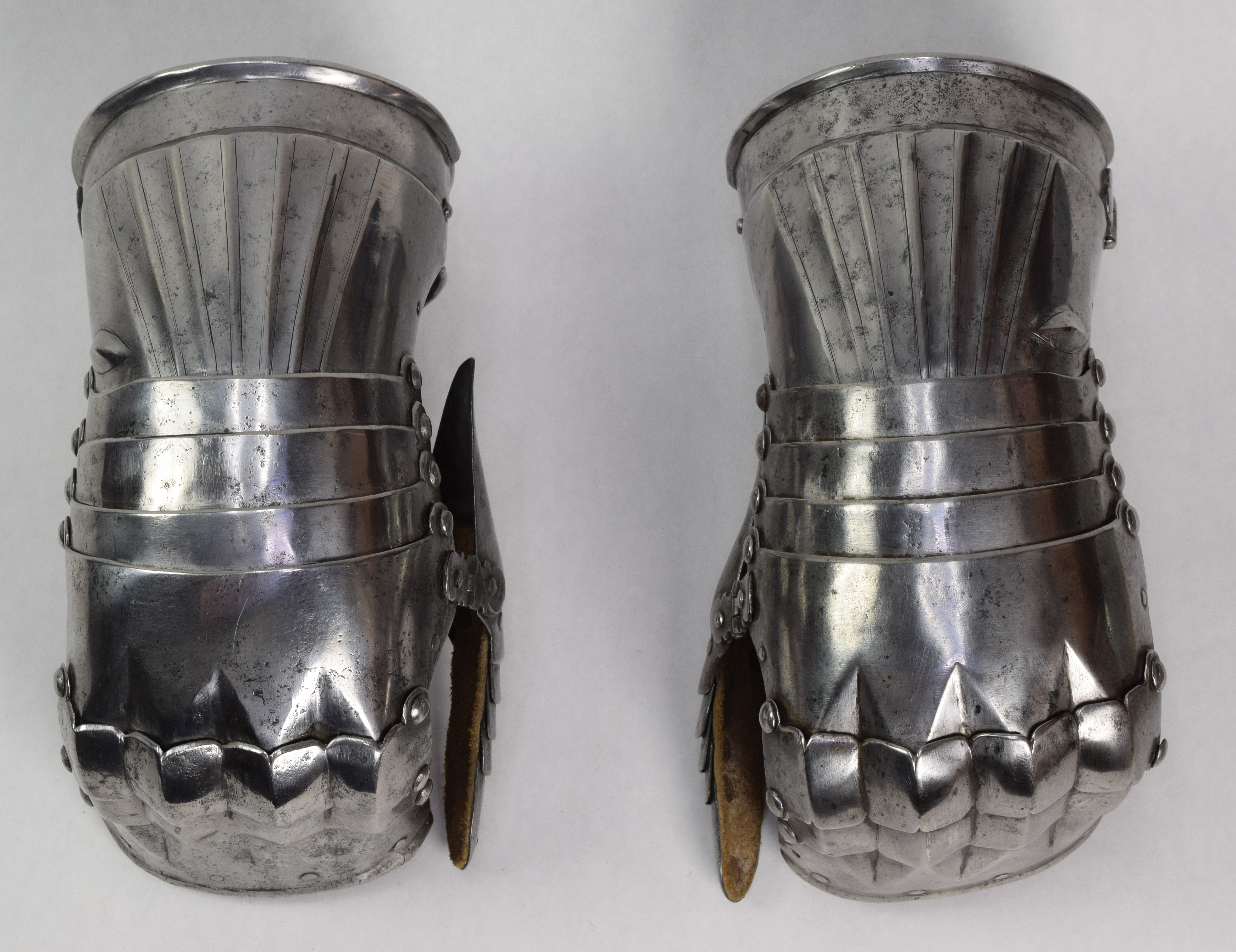 German Gauntlets - A-100-TopGrey