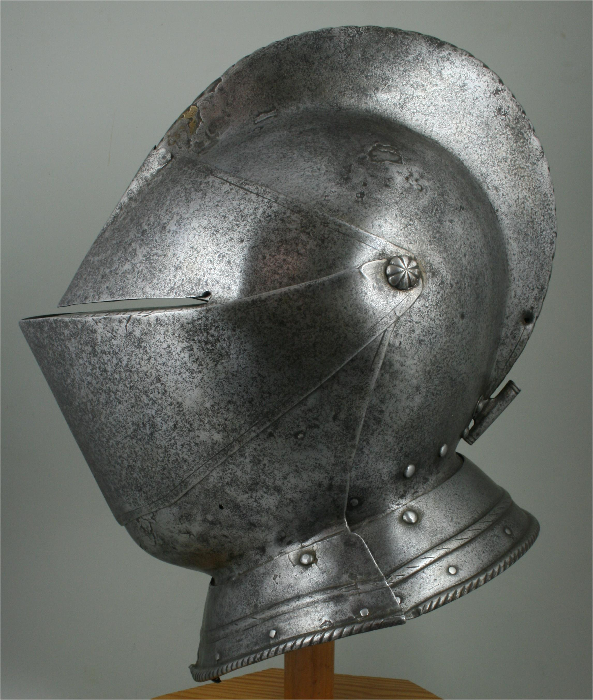 Close Helmet - A-267-a-left