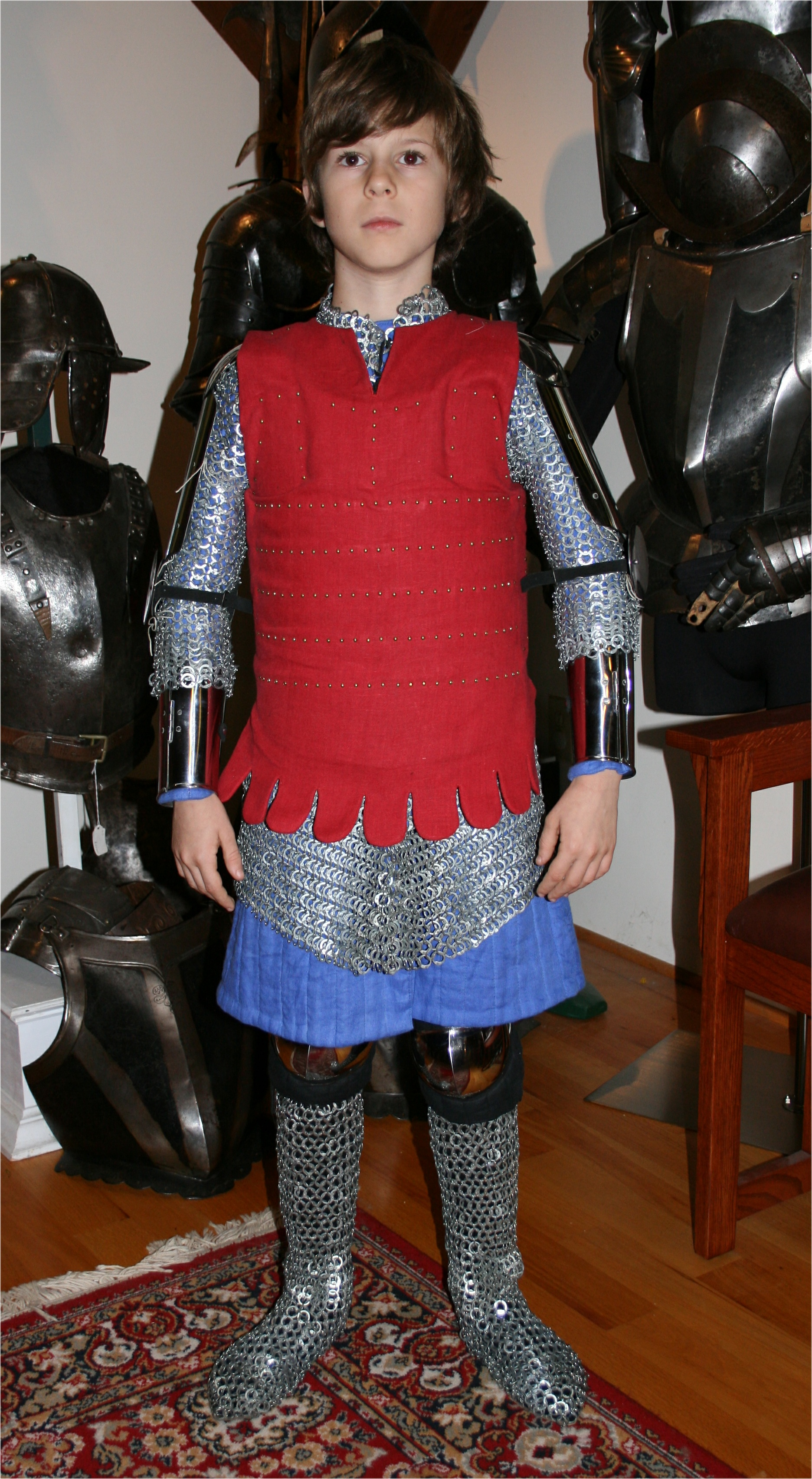 Armour - Geoffrey-1340-coat-of-plates