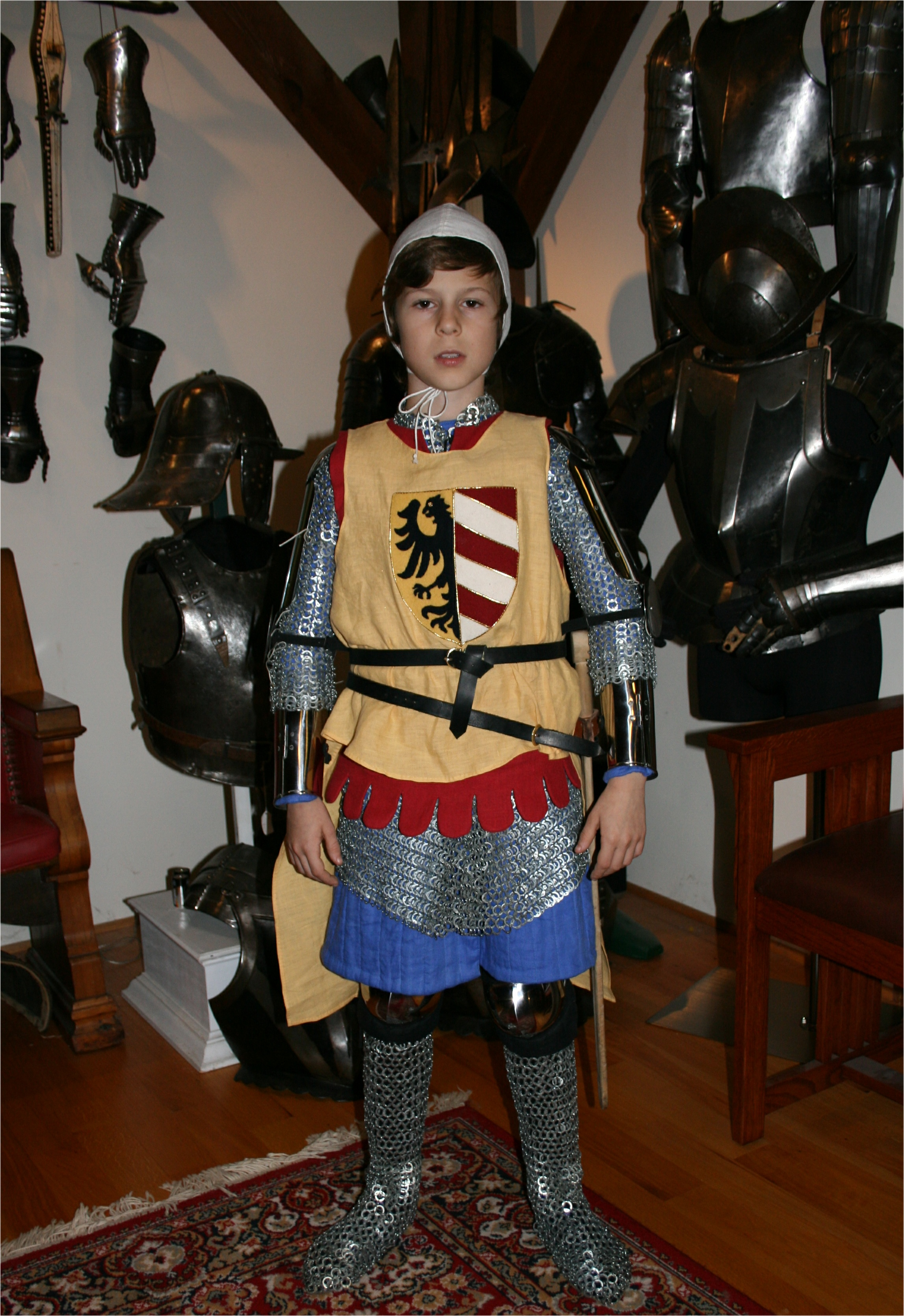 Armour - Geoffrey-1340-surcoat