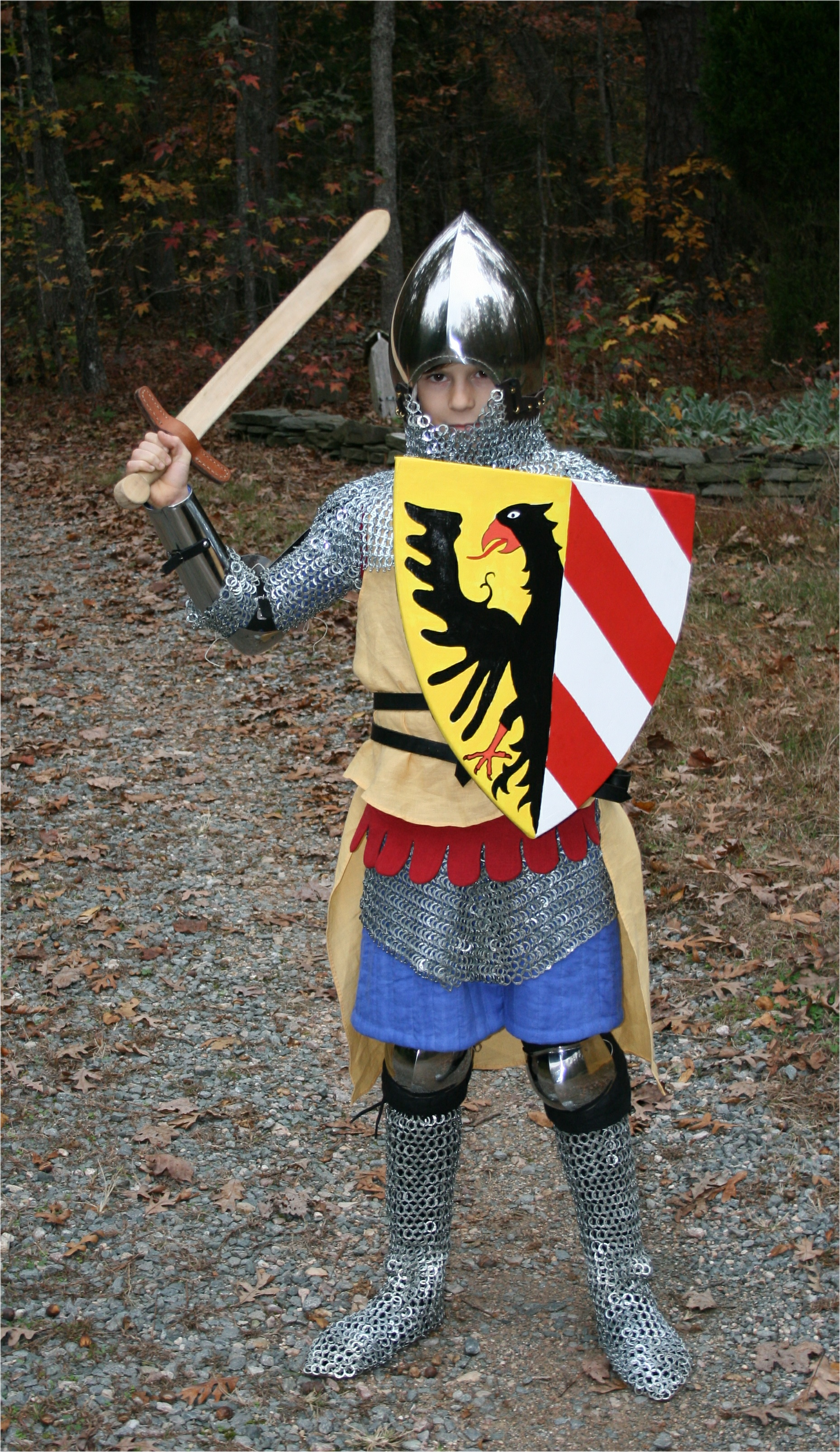 Armour - Geoffrey-1340-sword-up