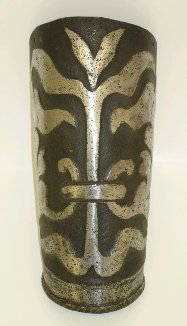 German outer plate from a black and white vambrace